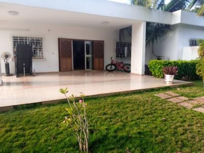 Magnifique villa de 4 chambres avec piscine
