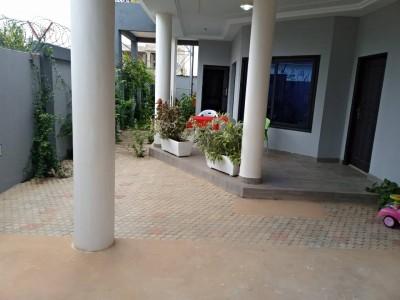 Belle villa duplex moderne de 4 chambres