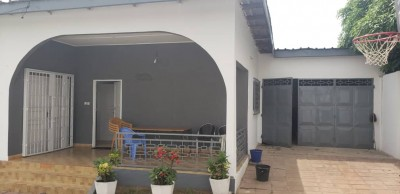 Belle villa 5 chambres sur 1 lot  avec titre foncier