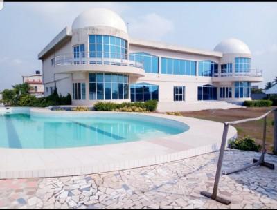 Somptueuse villa 5 chambres.. sur 6 lots avec titre foncier