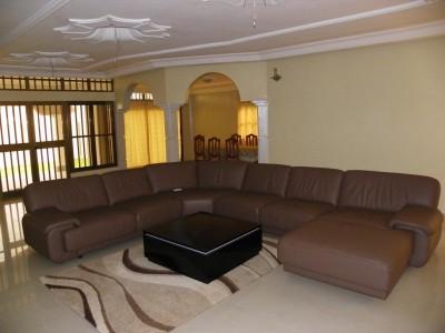 Magnifique villa 3ch. au rez. + 3app.. à l'étage tous  meublés