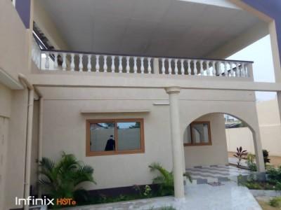 villa 3 chambres salon non meublée