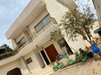 Belle villa duplex 3 chambres avec titre foncier