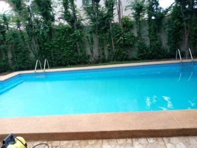 Superbe villa 4 chambres avec piscine non meublée