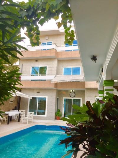 tres belle villa 4 chambres avec piscine  meublée