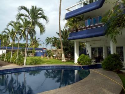 Elegante propriété de 6 chambres *3 salons * piscine