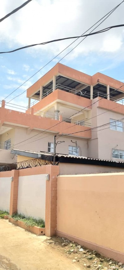 villa 6 chambres salon avec titre foncier