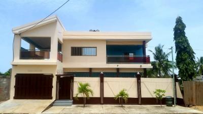 superbe villa 4 ch.. 2 salons.. 3 terrasses + t. foncier