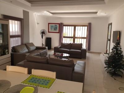 Belle villa 4 chambres meublée .. avec piscine