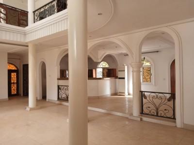 Belle villa duplex 5 chambres à étage  non meublée